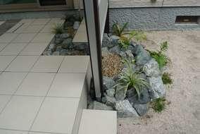 タイルの中にも石の流れを作成しました。
