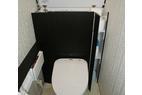 節水トイレ、収納たっぷりで奥様大喜びです。