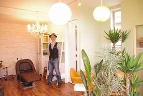 店内は、ヨーロッパ調の家具で埋め尽くされていて、こだわりある空間がお出迎えしてくれます。
