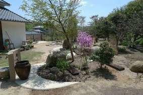 お庭の前にある蔵もステキな景色の一部です