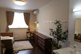 居室です。 ベーシックなパターンを含めた5パターンの内装から、入居者様に選んで頂けます。