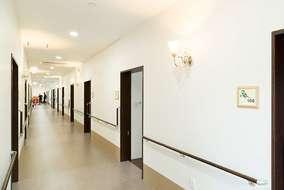 施設内の廊下です。