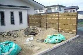 木曽石でRの壁泉を作ります。