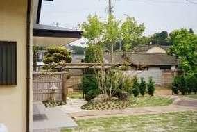 部分的に和風庭園を作りました。