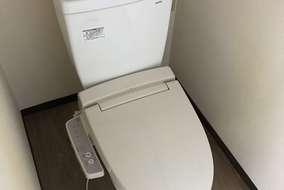 床はCF(クッションフロア) トイレ本体も新しく 変えさせていただきました!