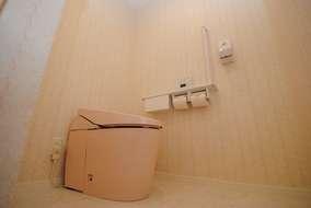 見た目もすっきりなタンクレストイレ