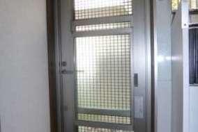 採風勝手口ドアの取替後の室内側の画像です。