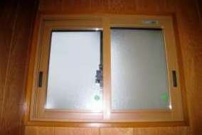 プラメイクEの施工後 小窓 透明ガラスの画像