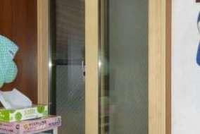 リビング 小窓のMOKUサッシの施工後の画像