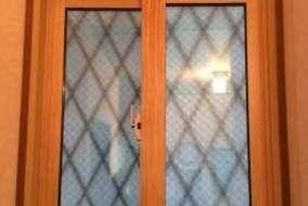 階段 小窓のMOKUサッシの施工後の画像