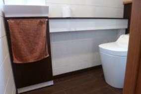 トイレ手洗い収納の施工事例です。