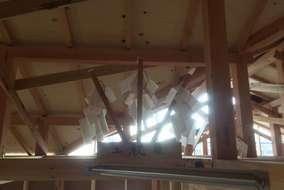 建て方が終わると上棟式!棟(屋根の一部)が上がるから上棟式なんですね~。職人の皆さま、おつかれ様です