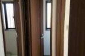 ドアはスライドドアでより 空間を広く有効活用出来るようにしました。