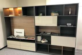 この様な棚も使用用途に合わせ作成できます。