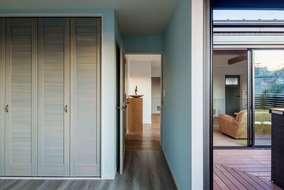 居室、リビング、ベランダの風景です。バルコニーでBBQも出来る広がりの感じれる設計になっています。