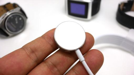 これがApple Watch用無線充電トランスミッター