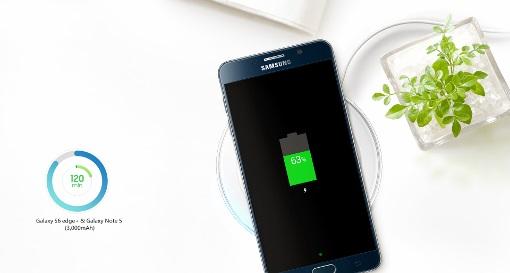 置くだけで超高速ワイヤレス充電 Samsung純正WIRELESS CHARGER