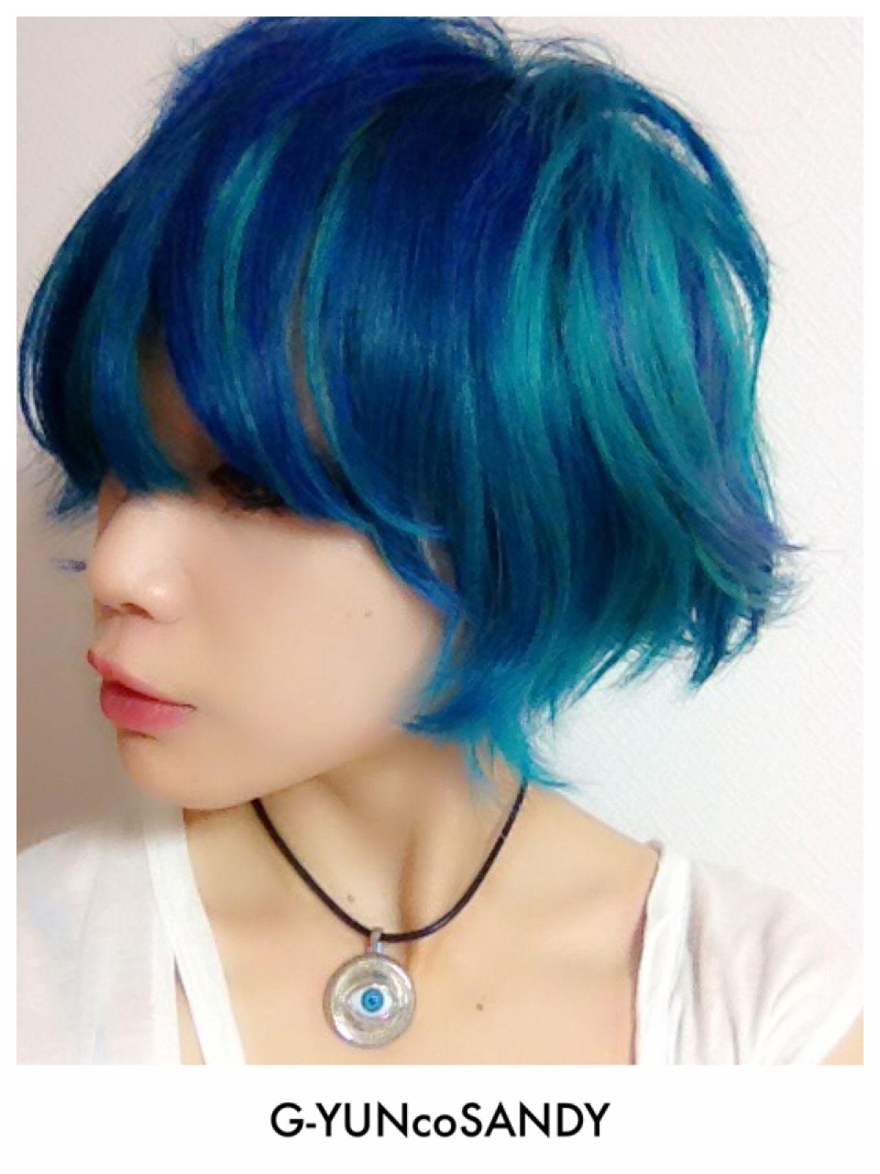 髪色 青 グラデーション ショート