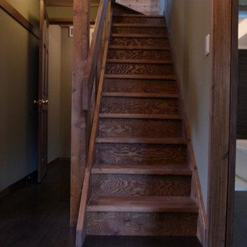 階段下のスペースも空いています
