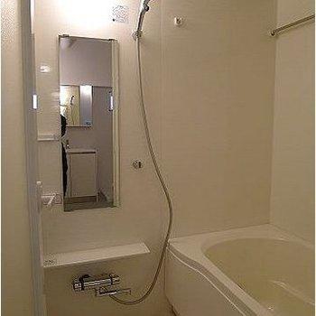 足伸ばせるお風呂…!うれしい。※写真は302号室