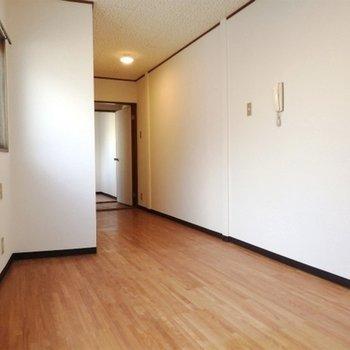 こちらのお部屋は8帖の広さ。