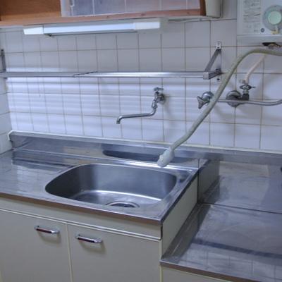 キッチンも昔ながら