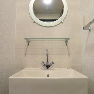 かっこいいデザインの洗面台です。