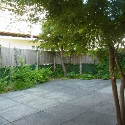 3台止められちゃう広さのお庭