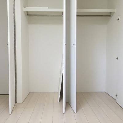 こちら1階の洋室・5帖