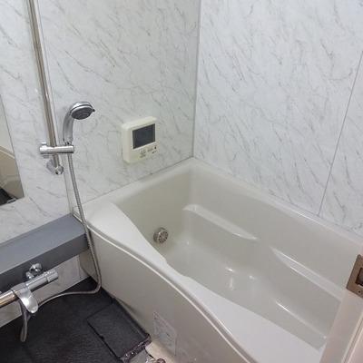 お風呂は広めに取ってあります