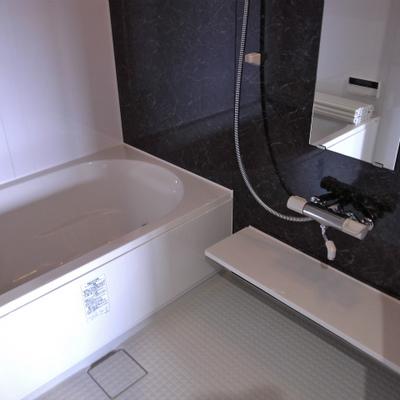 お風呂も広々※写真は別部屋です。