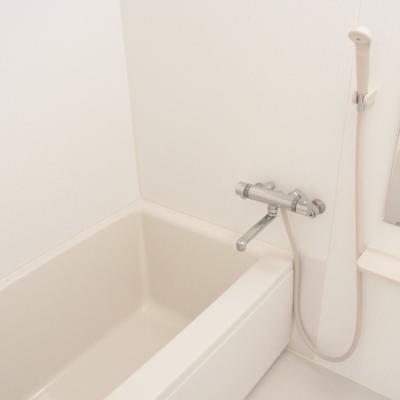 バスルームはとにかくシンプルに。