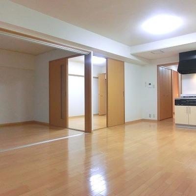 左側のお部屋を仕切ると部屋が3つにできます