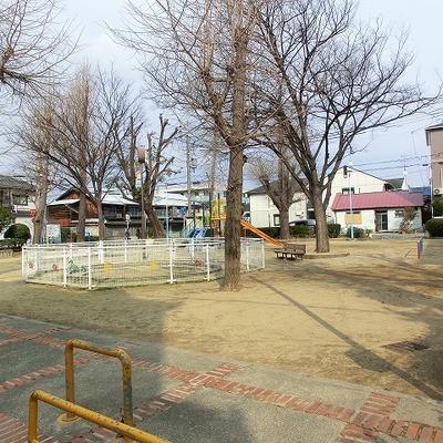 付近に公園があります