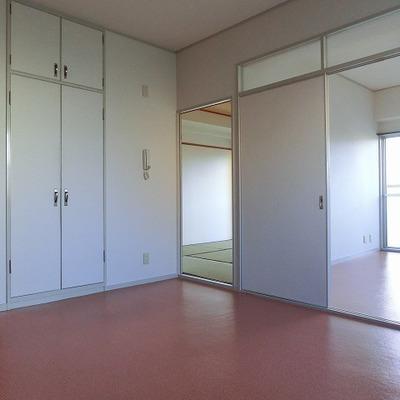 広さのあるダイニングスペース