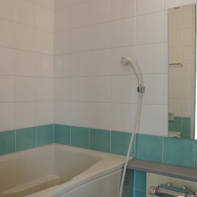お風呂の水色タイルかわいいです※写真は別部屋