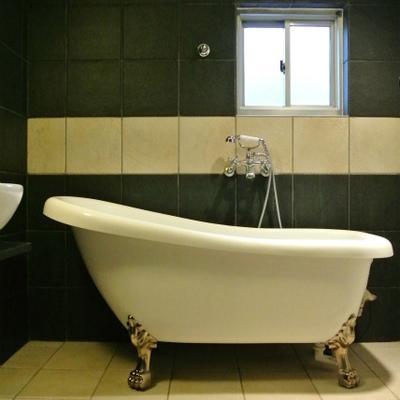 このお風呂はすごいな。猫足※写真は別部屋