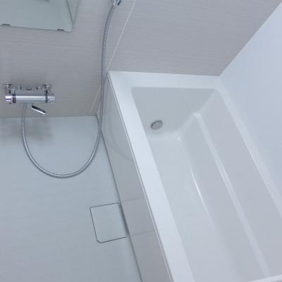 お風呂が広い!新築なのでピカピカ!