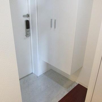 玄関も広め。シューズボックスも大きい。