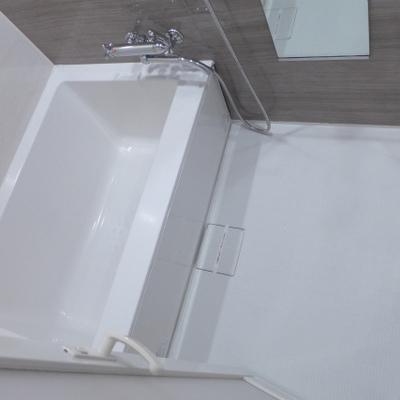 お風呂も広くて清潔感ばっちり!※写真は別部屋になります。