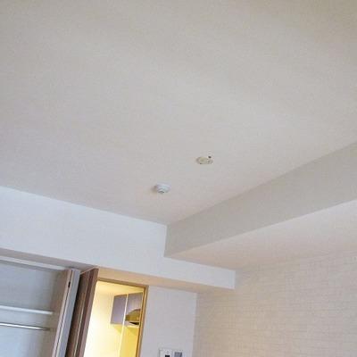 天井が一段上がっているので圧迫感がなく広く感じます。