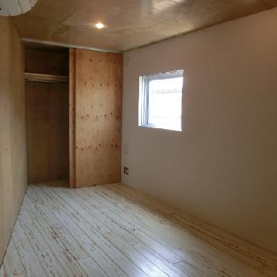 7.3畳の洋室も、どんな風に家具を置こうか迷ってしまいます