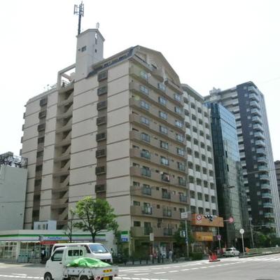 土佐堀通り沿いの12階建て
