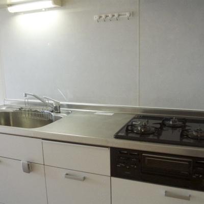 キッチンが新しくなってます!
