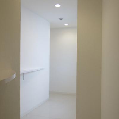 廊下のアプローチがいい感じ。