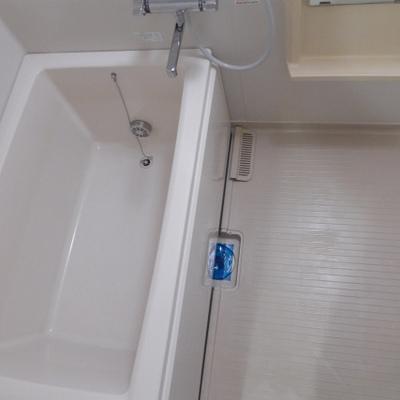 お風呂も清潔感ばっちり!