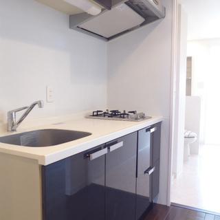 システムキッチンは2口ガスコンロで嬉しい。