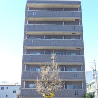 大通り沿いのマンション!オートロックです。