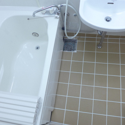 お風呂もシンプル。清潔感バッチリです!