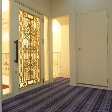 共用部の廊下は絨毯・・・